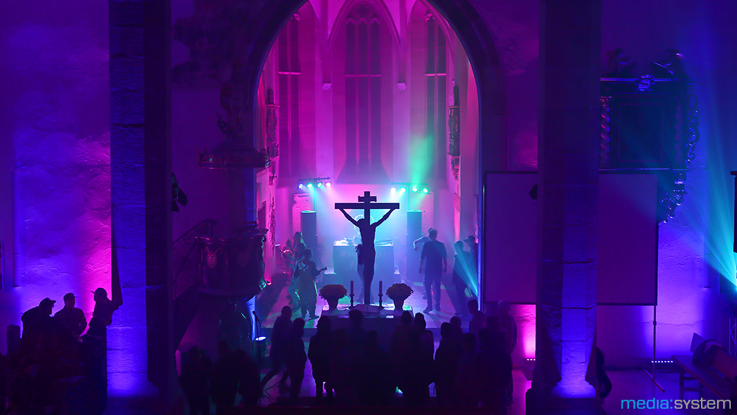 Party in der Kirche mit DJ Faith