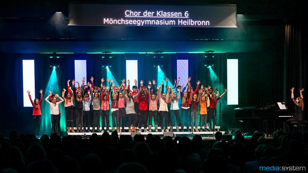 Chor der Klasse 6 des Mönchseegymnasiums Heilbronn beim Grandprix der Popchöre 2017